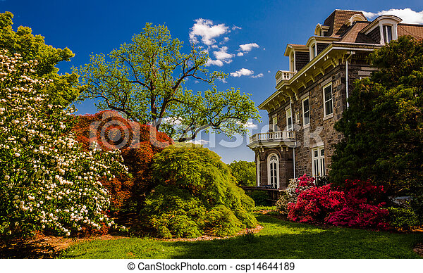 Colorful trees and bushes behind the mansion at Cylburn Arboretum, Baltimore, Maryland. - csp14644189