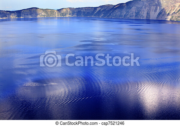 Colorful Waters Blue Crater Lake Reflection Oregon - csp7521246