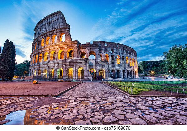 colosseum, 夕闇, 照らされた, ローマ - csp75169070
