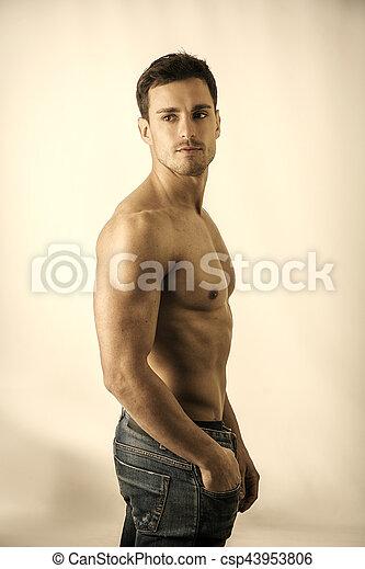 colpo, shirtless, muscolare, studio, bello, uomo - csp43953806