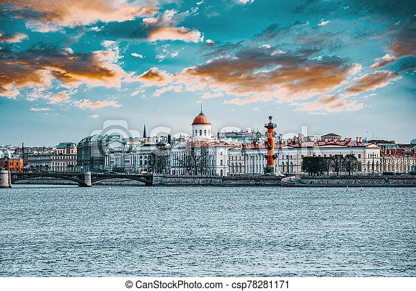 columnas, island., santo, vasilievsky, saliva, russia., rostral, petersburg. - csp78281171