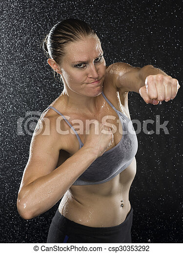 combattant, pose, regarder, femme, frapper, agressif - csp30353292