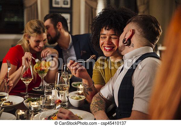 Comida romántica - csp45410137