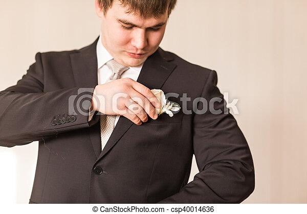 colore attraente seleziona per il più recente professionista di vendita caldo completo, matrimonio, boutonniere, sposo