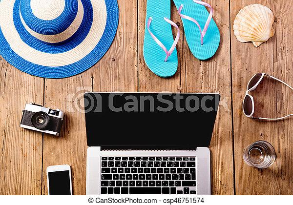 composition., 暑假, 膝上型, 電話。, 照像機, 聰明 - csp46751574