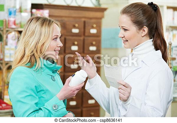 La compra de drogas de la farmacia médica - csp8636141