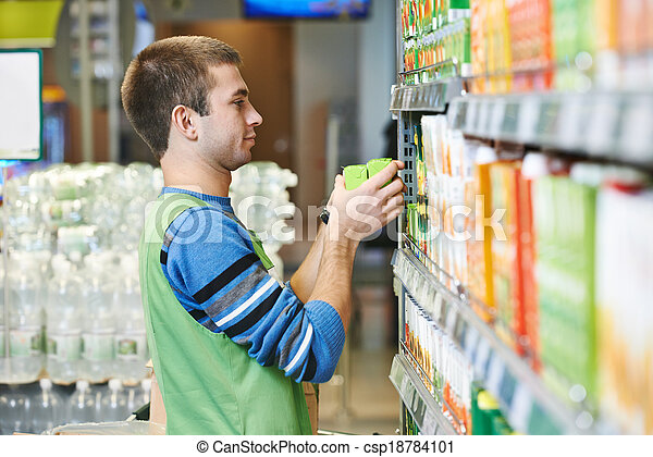 Comprador en supermercado - csp18784101