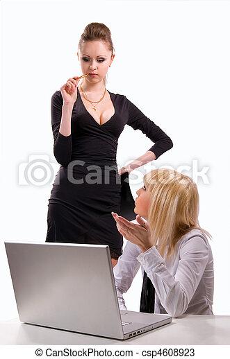 computador portatil, dos, mujeres que trabajan - csp4608923