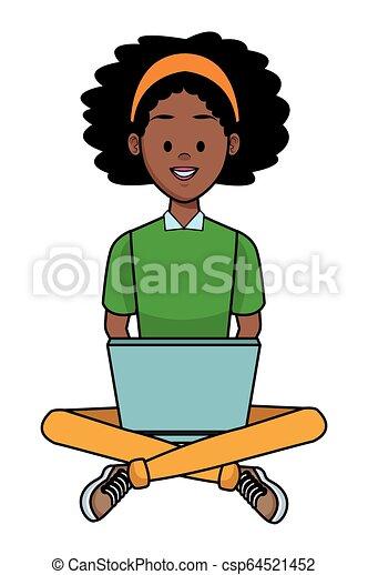 Mujer con portátil - csp64521452