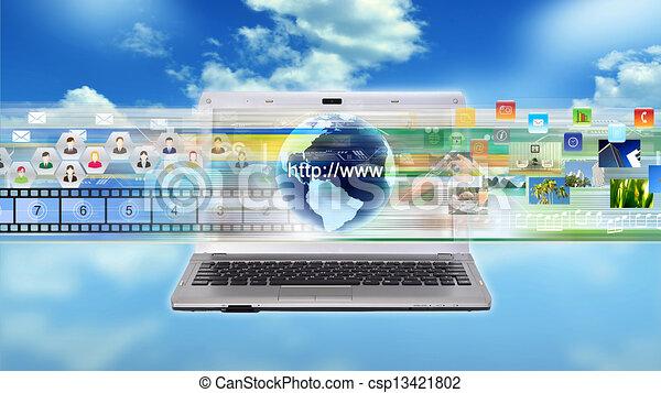 Un portátil multimedia de Internet - csp13421802
