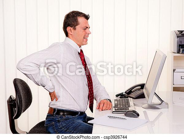 computadora, dolor, espalda, oficina, hombre - csp3926744