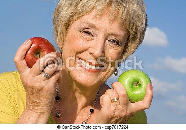 conceito, dieta saudável, mulher, saúde, maçãs, sênior - csp7017224