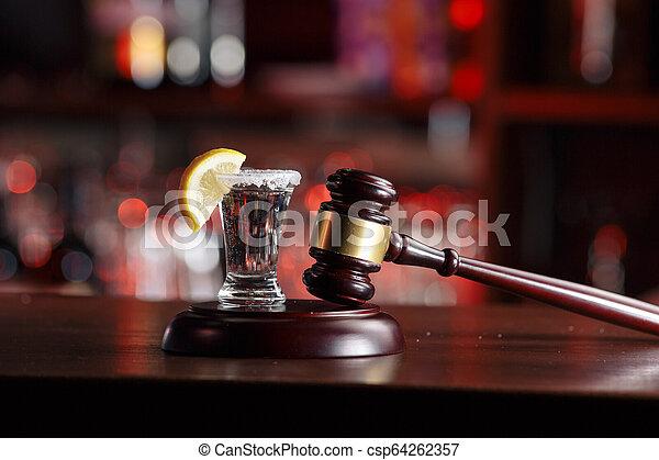 concept, tribunal, conduite, boissons alcooliques, hammer-the - csp64262357