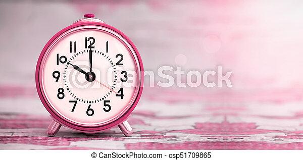 La bandera del concepto de tiempo - csp51709865