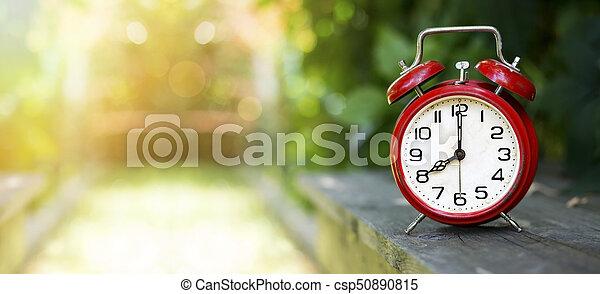 La bandera del concepto de tiempo - csp50890815