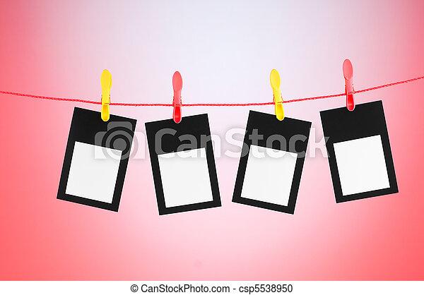 Concepto de diseño, fotogramas en blanco para sus fotos - csp5538950