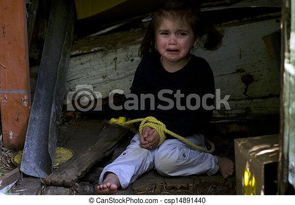 Tráfico humano de niños - foto conceptual - csp14891440