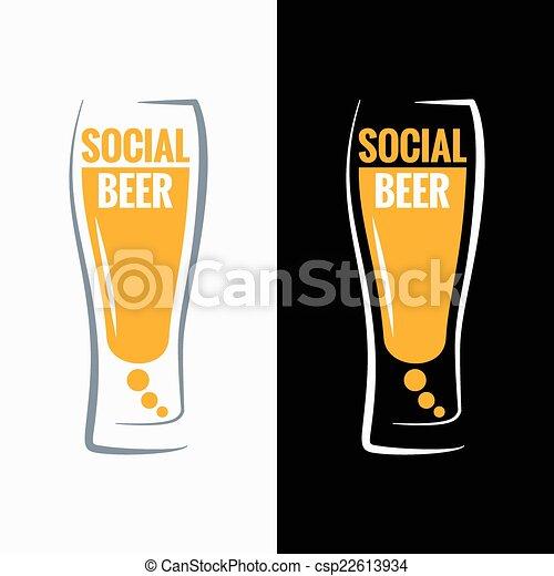 Fondo de los medios sociales de Beer Glass - csp22613934
