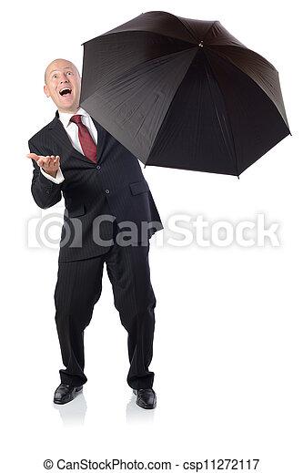 Hombre de traje con el concepto de paraguas de mejorar - csp11272117