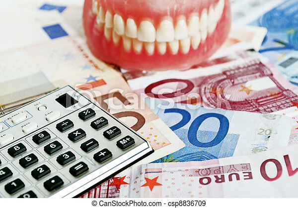 Imagen conceptual del seguro dental - csp8836709