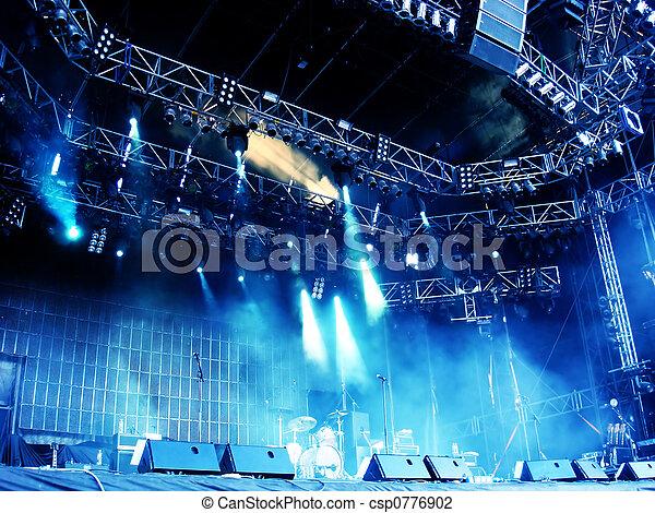 concerto, palcoscenico - csp0776902