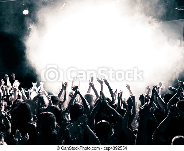 Gente del concierto - csp4392554
