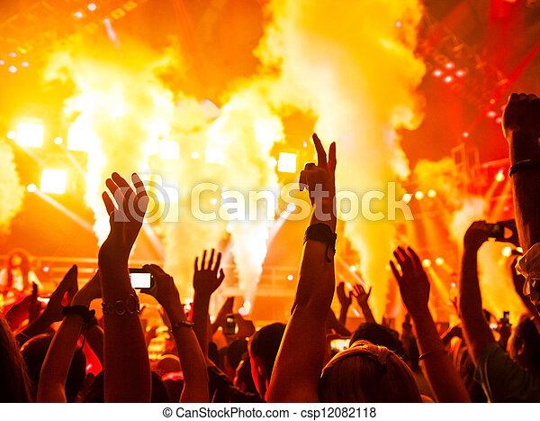 Concierto de rock - csp12082118