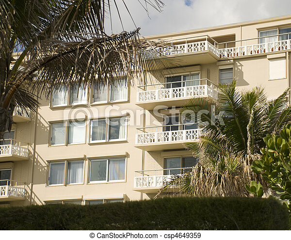 Condo in West Palm Beach - csp4649359