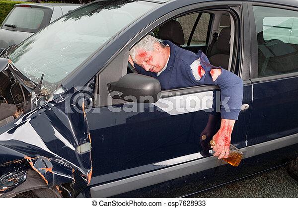conducción, borracho - csp7628933