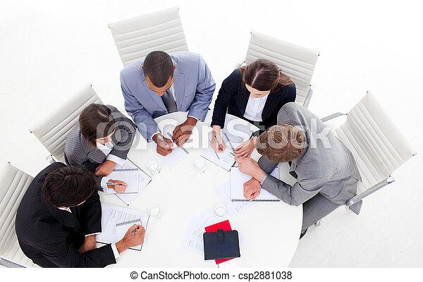conférence, divers, business, groupe, table, élevé, réunion, autour de, angle, séance - csp2881038
