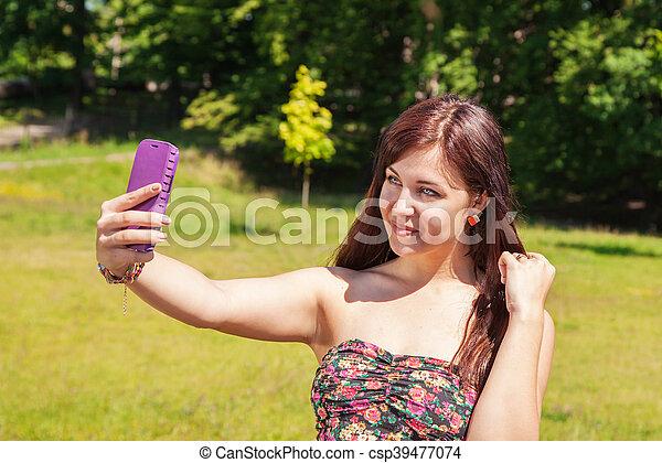confection, selfie, parc, jeune fille - csp39477074