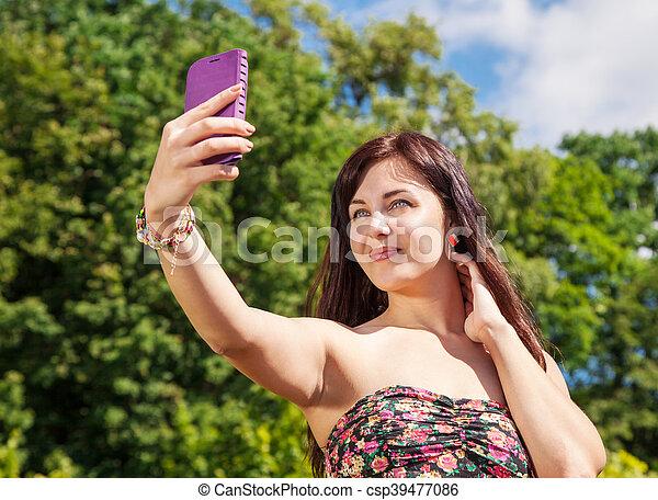 confection, selfie, parc, jeune fille - csp39477086