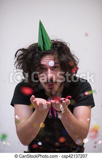 Confeti en la fiesta - csp42137207