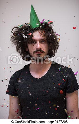Confeti en la fiesta - csp42137208