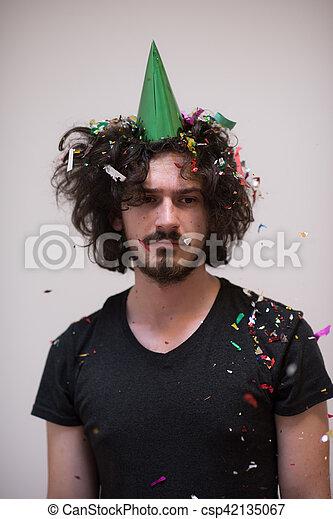 Confeti en la fiesta - csp42135067