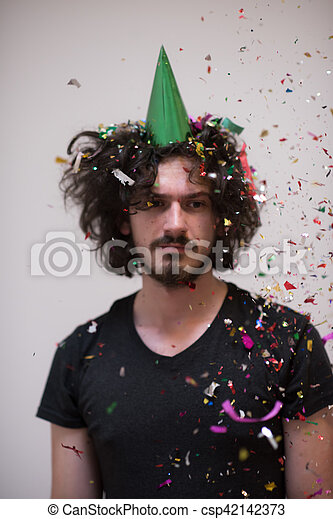 Confeti en la fiesta - csp42142373