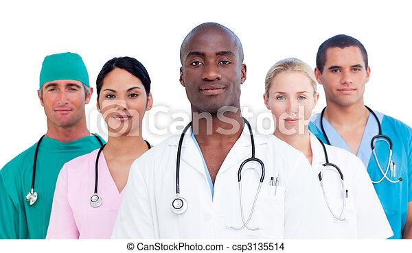 confiant, équipe soignant, portrait - csp3135514