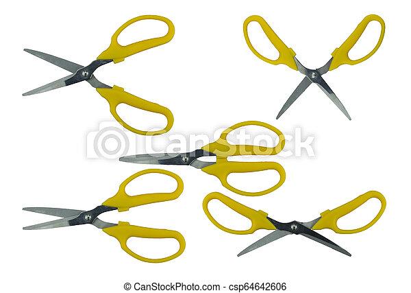 Un conjunto de tijeras amarillas aisladas en el fondo blanco - csp64642606