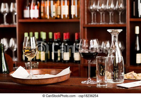 Degustación de bar de vinos configurar decoración bandeja - csp18236254