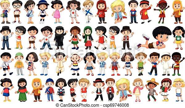 Un grupo de niños multiculturales - csp69746008