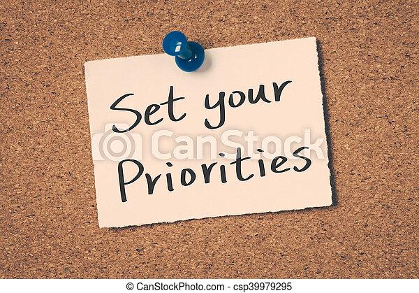 Fija tus prioridades - csp39979295