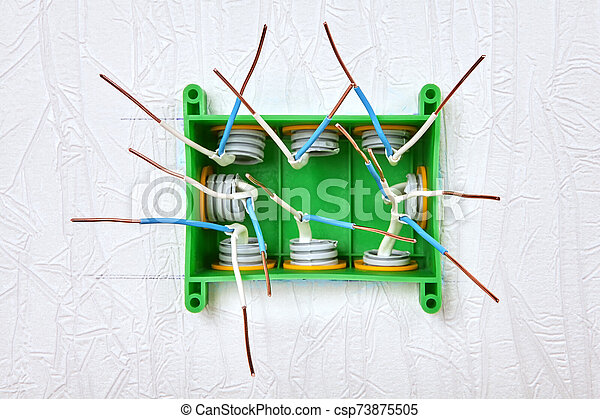 Connecting conduit to electrical box