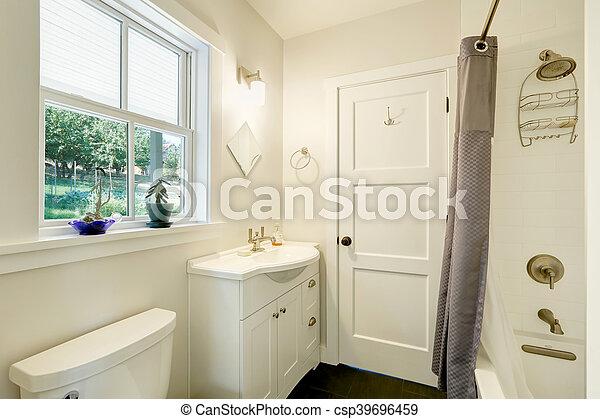 Interiores de baño limpios. Un armario pequeño con un fregadero - csp39696459