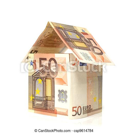 Maison construite en billet de 50 euros - csp9614784