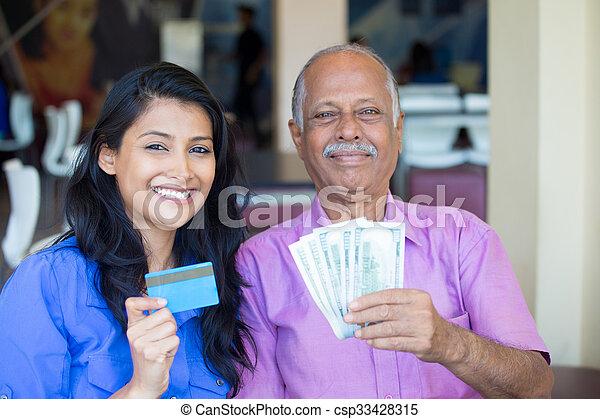 Contanti soldi credito scambio soldi anziano casa - Soldi contanti a casa ...