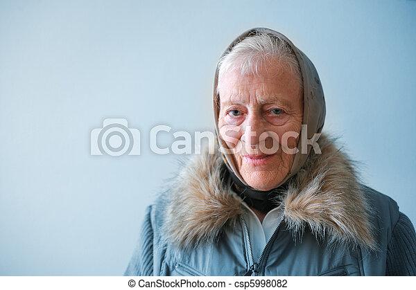 contemplating., femme aînée, portrait - csp5998082