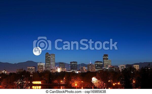 Aerolínea Denver con luna - csp16985638