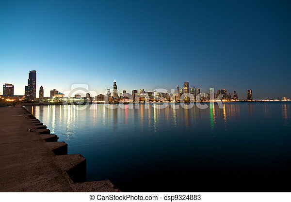 Chicago Skyline al atardecer - csp9324883