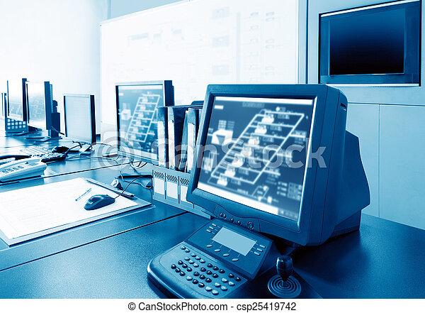 Sala de control de computadoras - csp25419742