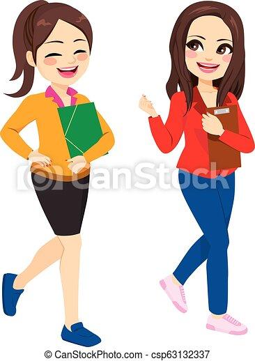 conversation, marche, désinvolte, femmes - csp63132337